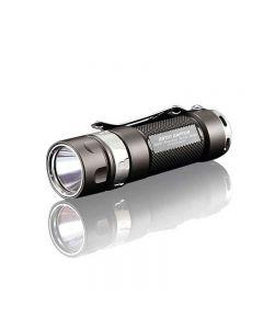 JETBeam JET-RRT01 CREE XP-L 950 lumen LED EDC zaklamp