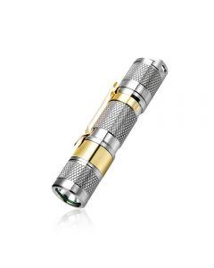 Lumintop TOOL AA2.0 Titanium XP-L HD LED max 650 lumen balkafstand 7 meter AA/14500 EDC Zaklamp